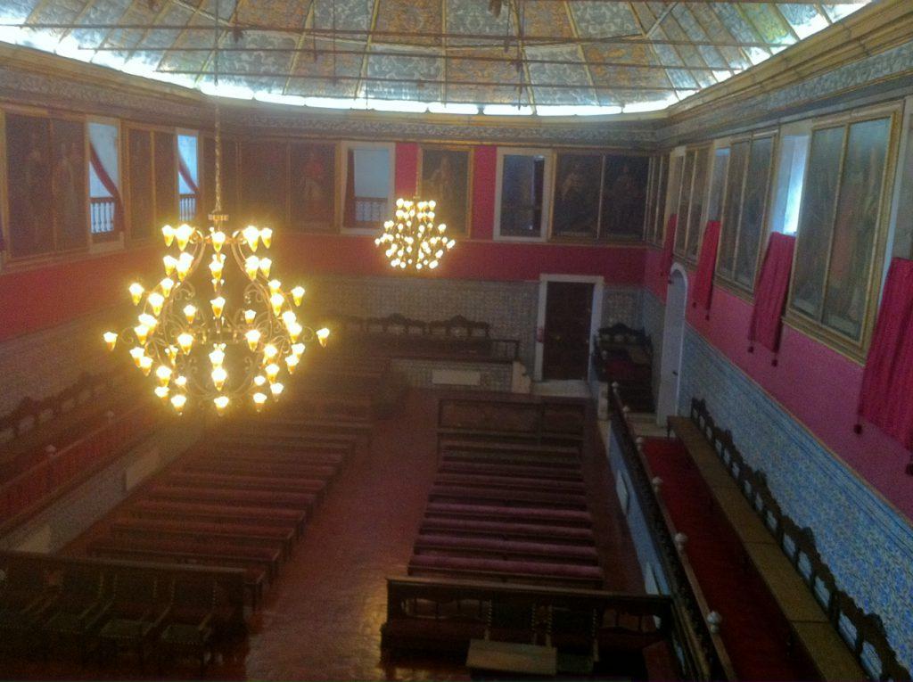 De zaal waar het academisch jaar wordt geopend en waar ook de nieuwe rector manificus wordt geinstalleerd.